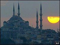 İstanbul  Doğuda mı  Batıda mı ?