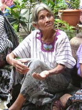 Anciana con canas