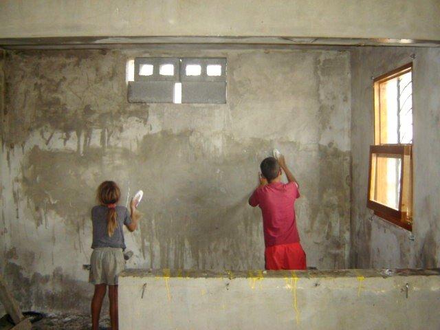 Child labor: Sofia & Edwin2 scrubbing