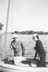Einstein con su esposa