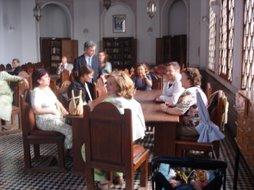 En la Biblioteca Al Qarawiyyine durante la exposición de manuscritos andalusies