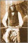 Mangas Coloradas, apache mimbreño. Fue asesinado.