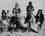 Gerónimo y un grupo de apaches.