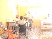 Diantara pesakit-pesakit yang sedang menunggu giliran untuk menjalani rawatan