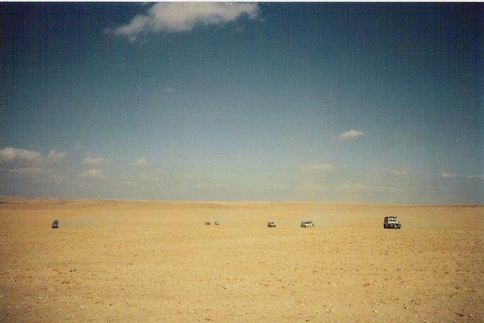 Waddi- Musa, un desierto al uso, infinita planicie de arena, donde solo la brújula puede sacarte.