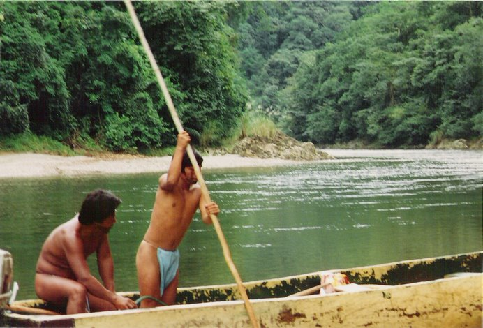 Remontando el rio Darién