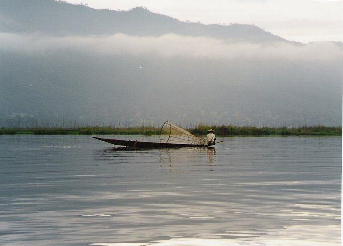 Tradicionales artes de pesca en Inle  Lake