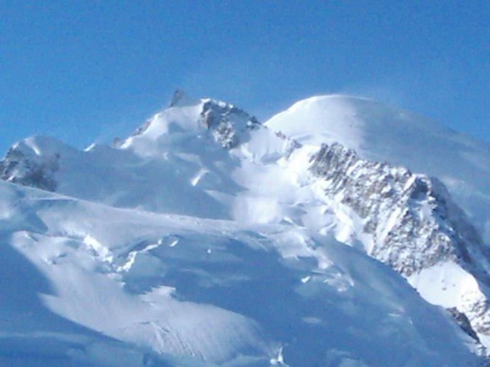 Su magestad el Mont Blanc y sus acólitos