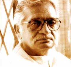 profound sight in the eyes of gulzar