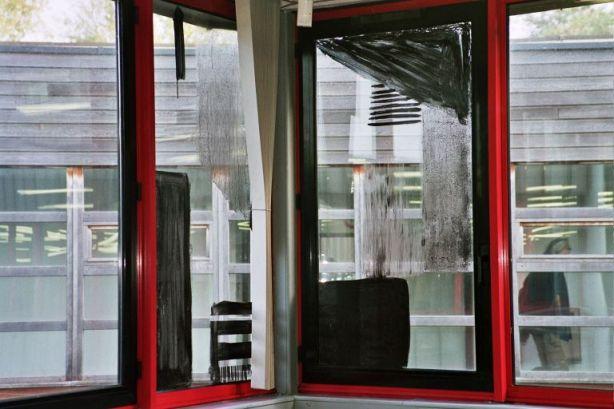pigment et acétate sur vitre