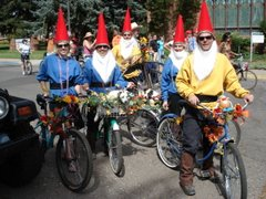 garden gnome bike gang