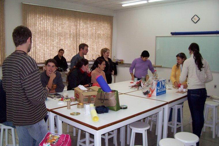 Encontros de educação, arte e reciclagem com os grandinhos...