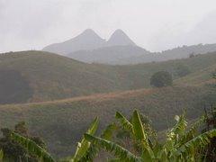 Le volcan Manengouba au loin
