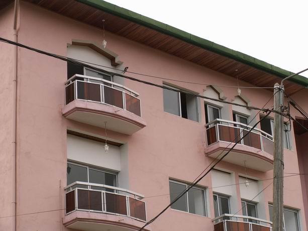 Nos deux balcons au dernier étage