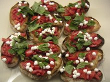 caprese crostini