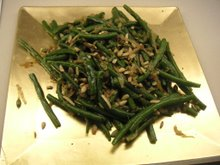 green bean salad with carmelized onions and pinenuts