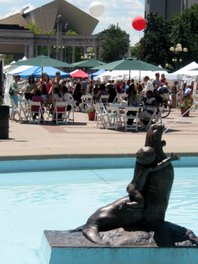 The Seal fountain is working this summer!