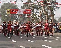 Desfile escolar por  Fiestas Patrias