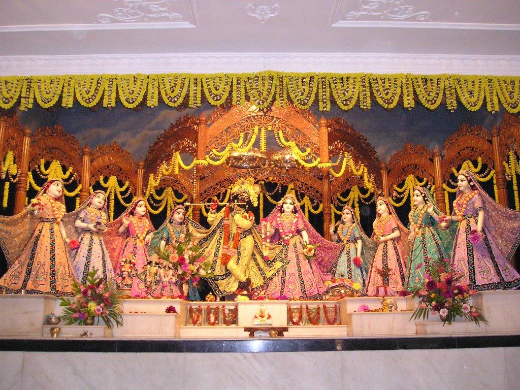 My Fav Temples: ISKCON's Mayapur Chandrodaya Mandir - Gaura