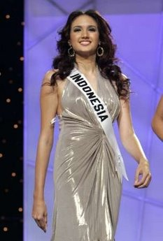 94b707d24 ... shows off a costume related to her home country during the preliminary  competition for Miss Universe 2006 at the Shrine Auditorium in Los Angeles,  ...