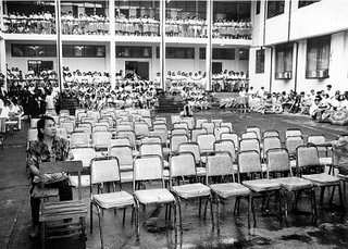 Conveying depth through contrast of same-sized objects; Rizal High School main Building 1993; photo by Atty. Galacio