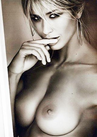 Elena Santarelli Calendario Nuda.Neroglamour Acqua Elena Santarelli Nuda Fotografata Da