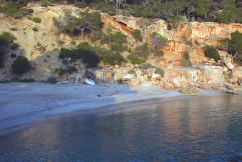 Ibiza a pie de foto: CALA SALADETA