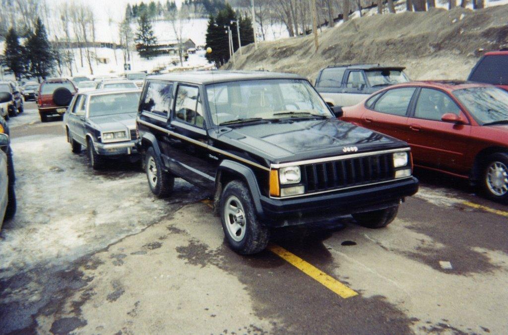 The Fleet 1987 Jeep Cherokee Chief Xj