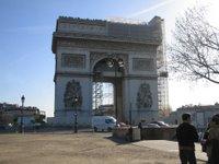 I think it's Paris, but I'm not sure... 4