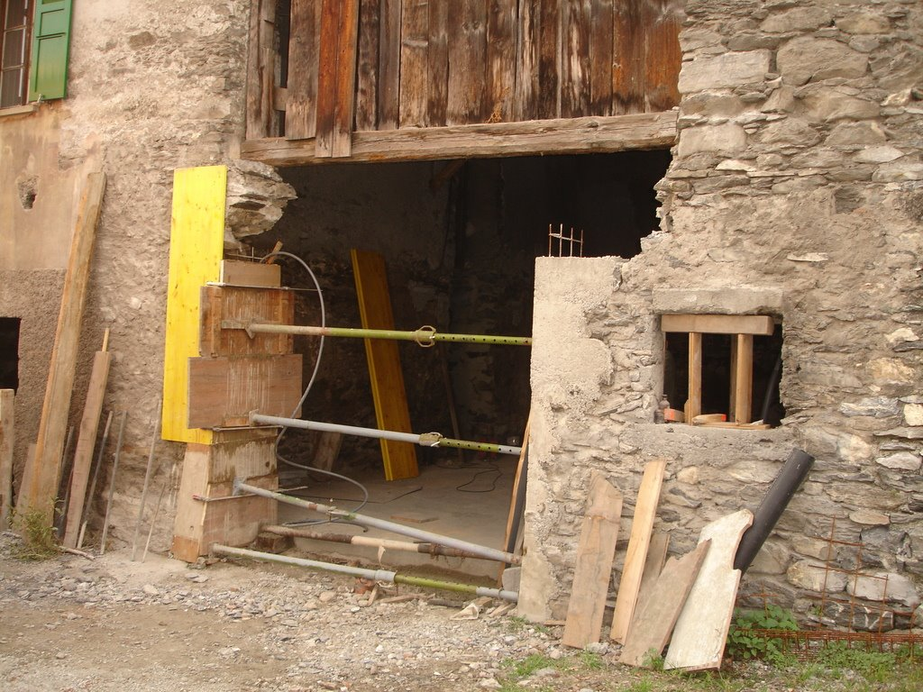 r novations ouverture pour la porte de garage bis. Black Bedroom Furniture Sets. Home Design Ideas