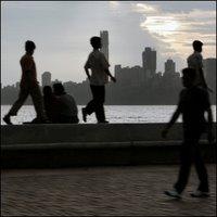Marine Drive, Mumbai, päiväsaikaan