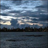 Mumbai auringonlaskun jälkeen