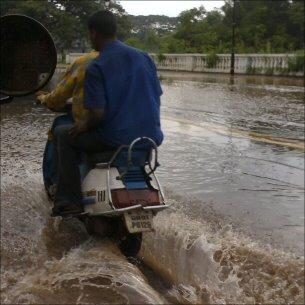 Sadevesi tulvii Panjimissa