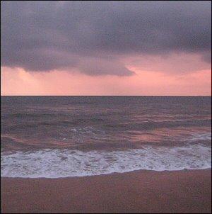 Merenranta Goassa auringonlaskun jälkeen
