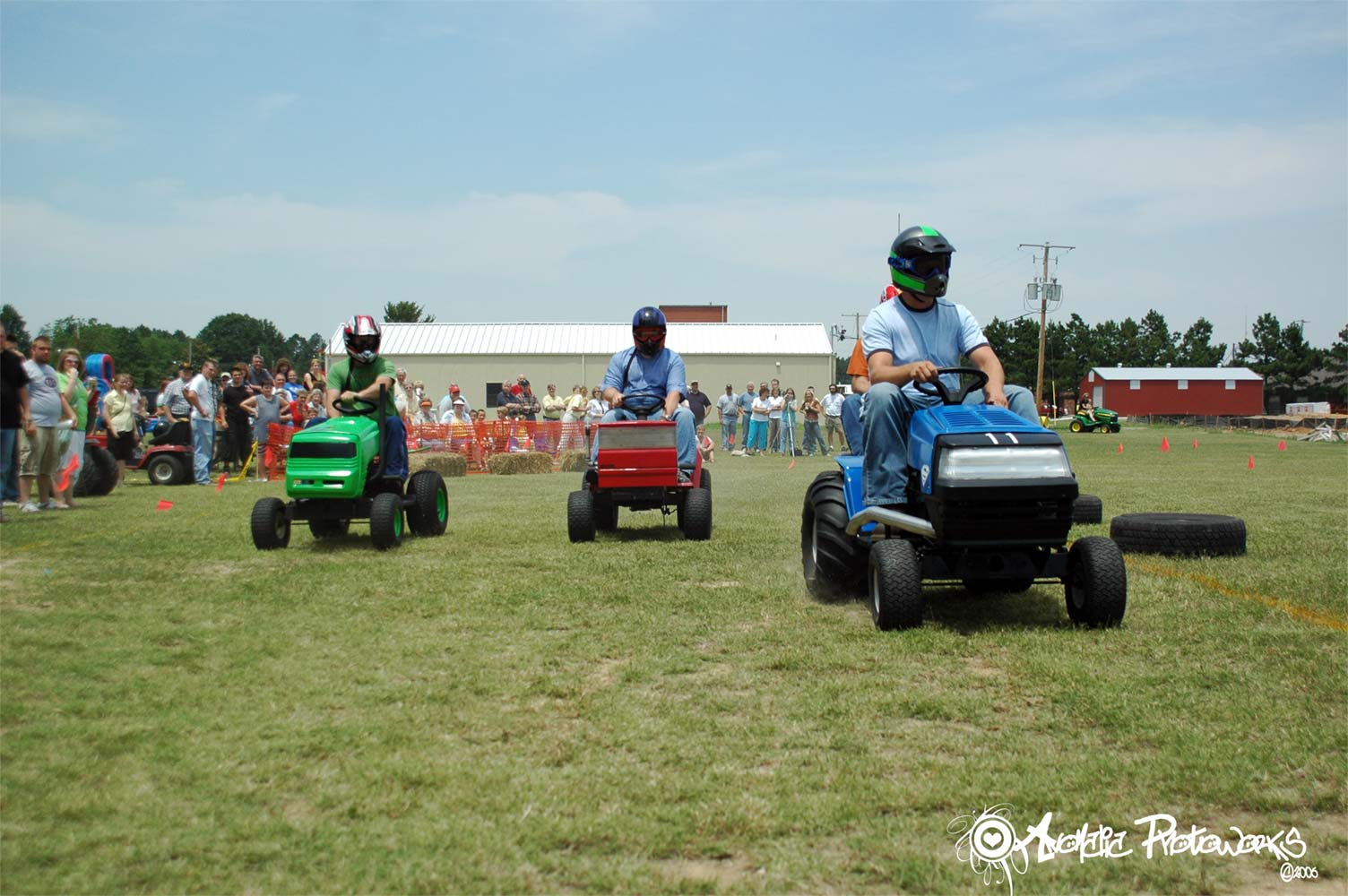 Lawn Mower Racing >> Random Things Of Life I Do To Pass Time Lawn Mower Racing