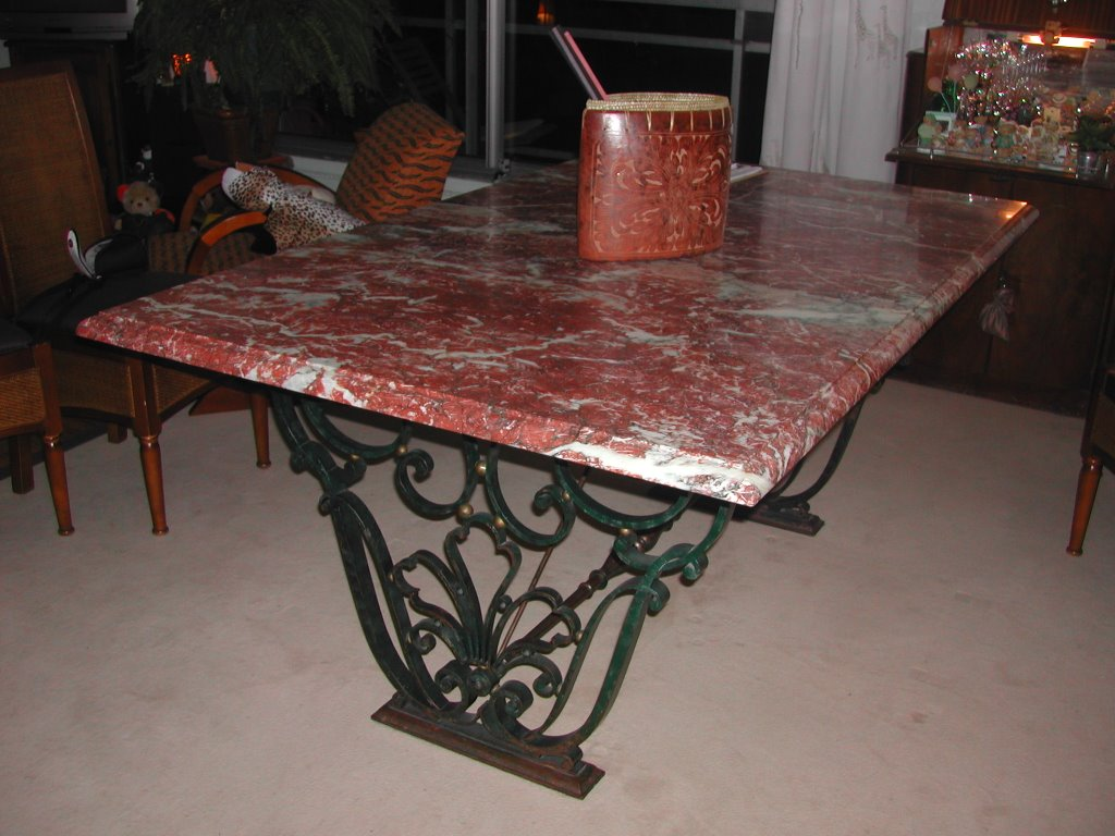 la flosimed sarl table par raymond subes. Black Bedroom Furniture Sets. Home Design Ideas