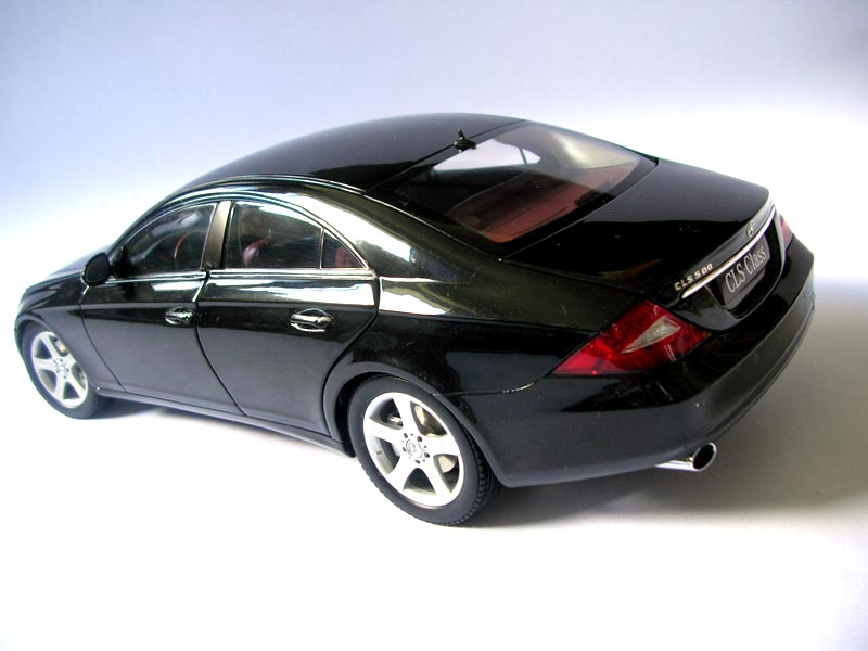scale118 kyosho 2005 mercedes benz cls 500 review. Black Bedroom Furniture Sets. Home Design Ideas