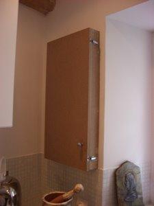 tout faire dans la maison cacher le tableau lectrique. Black Bedroom Furniture Sets. Home Design Ideas