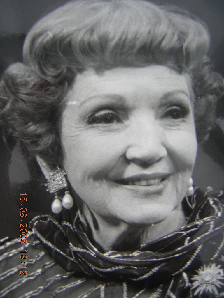 d4af18083d8c Fawbert Archives: Claudette Colbert: actress