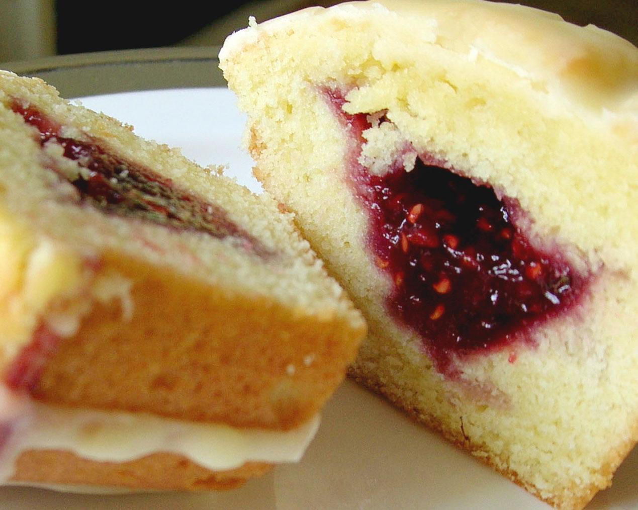 Jelly Cake Recipe Uk: Kitchen Heat: Sweet Little Cakes