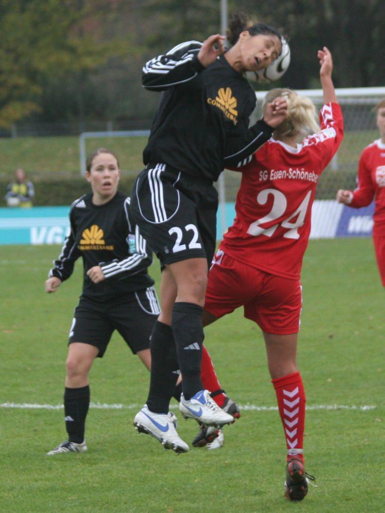 c30a4c508ce3e Esteve a vencer por 0-2 com golos de Draws e Isabel Kerschowski
