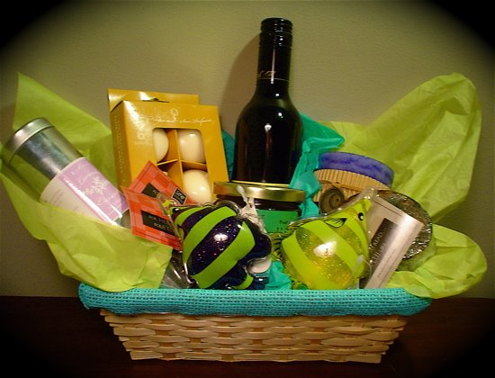 Gifts For Wedding Planning: MissWeb Designs: Gift Basket: The Wedding Planning