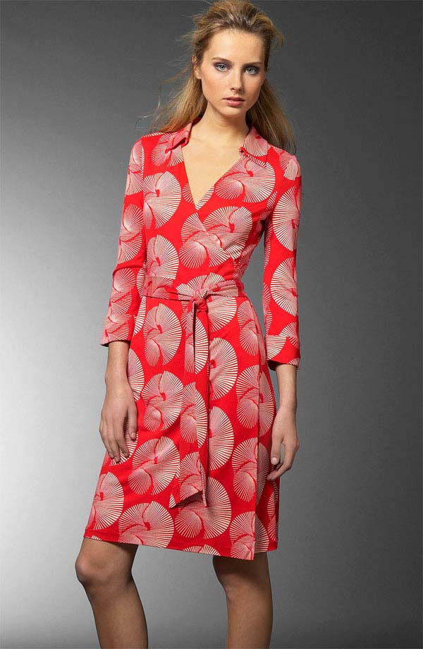 Short dress with leaves Diane Von F</ototo></div>                                   <span></span>                               </div>             <div>                                     <div>                                             <div>                                                     <p>                                                           <small>                                 Buy direct SAVE! No Sales Tax to US Residents! FREE Priority shipping on US orders over $100!                             </small>                                                       </p>                                                 </div>                                         </div>                                     <div>                                             <div>                                                     <ul>                                                             <li>                                                               </li>                                                             <li>                                                                   <a href=