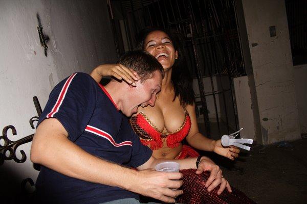 knulla mogen kvinna titta på porrfilm