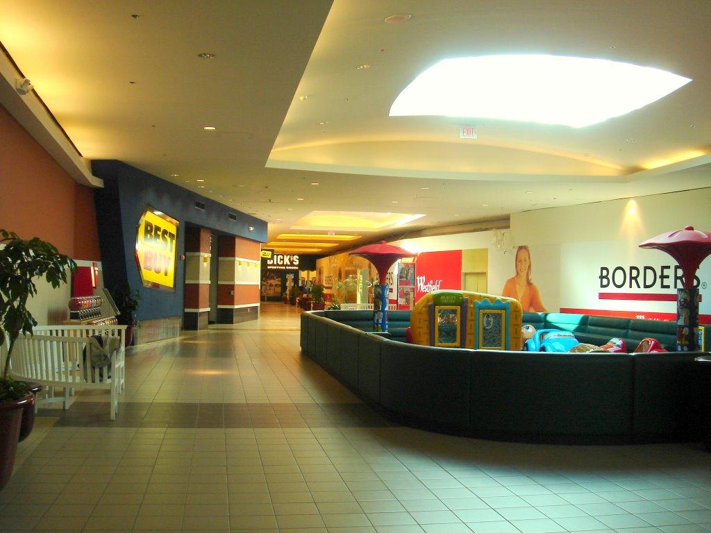 Malls In Ct >> The Caldor Rainbow: Westfield Shoppingtown Meriden ...