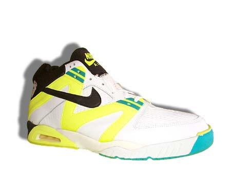 prix le plus bas 7fdc2 97845 Trainer Watch Blog: Childhood Sneaker Dreams: Nike Air Tech ...