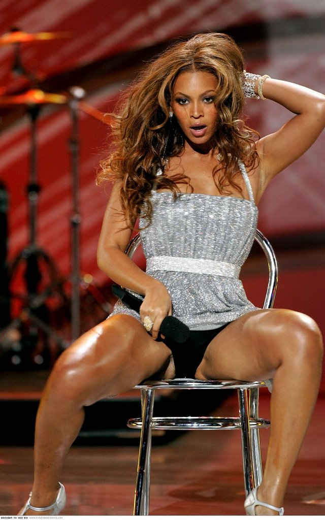 Can, Beyonce sexy legs and thighs consider