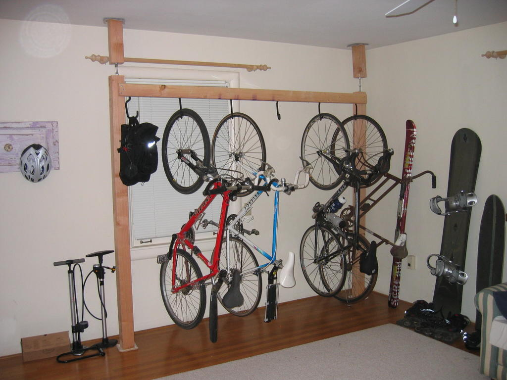 outside garage wall ideas - Caution to the Wind Multi Bike pression Super Rack