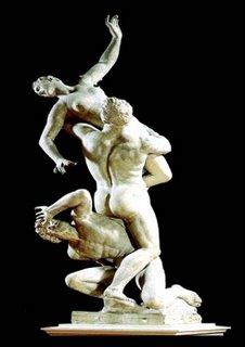O Rapto das Sabinas de Gianbologna representa a quebra de paradigmas e a vitória do novo sob o velho