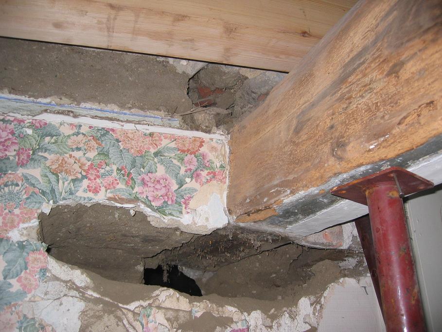 r novation de notre maison janvier 2005 les planchers la mezzanine et le grenier. Black Bedroom Furniture Sets. Home Design Ideas